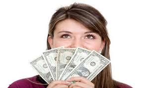 چگونه یک دختر 27 ساله درامدی 100 میلیونی بدست آورد