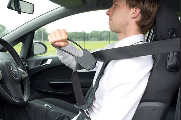دانلود پاورپوینت معرفي سيستمهاي ايمني و مراقبتهاي ايمني خودرو