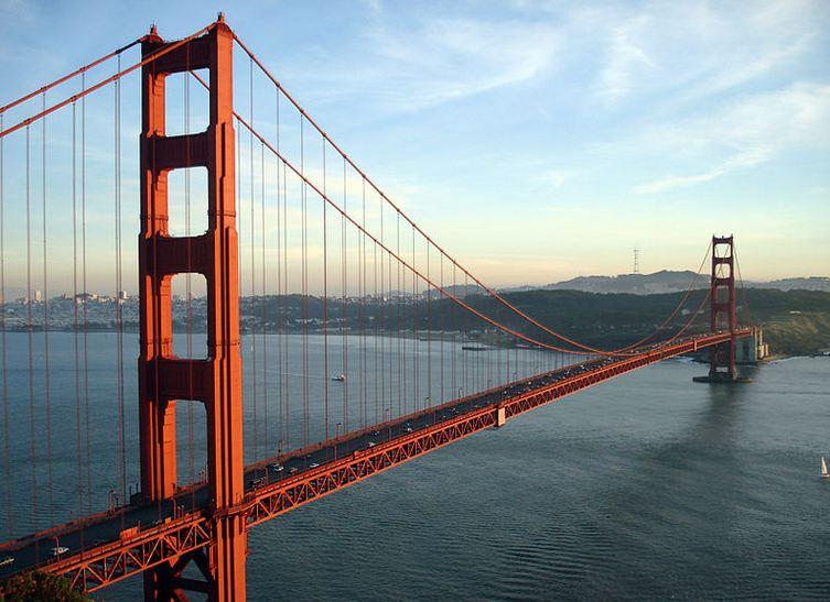 دانلود پاورپوینت طراحی پل گلدن گیت(Golden Gate Bridge)