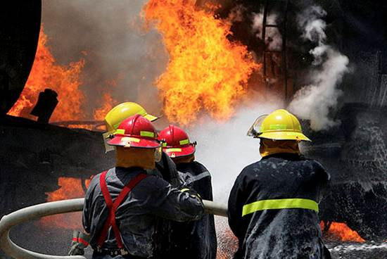 دانلود پاورپوینت حريق و راههاي مقابله با آن