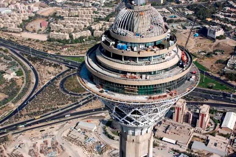 دانلود پاورپوینت تحلیل معماری و سازه برج میلاد