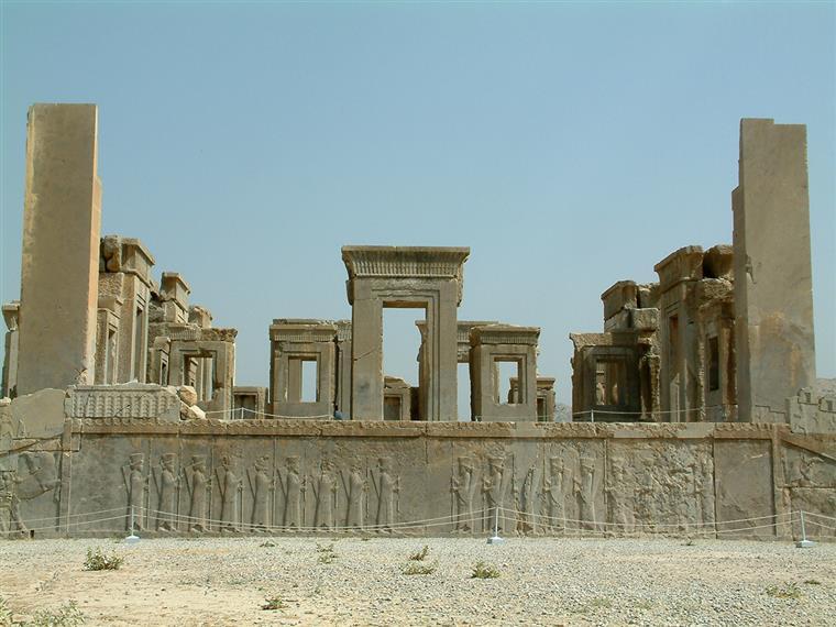معماری دوره هخامنشی