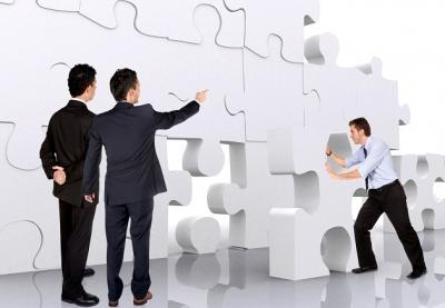 تاثیر خصوصیات سیستمهای اطلاعاتی حسابداری بر عملکرد شرکت