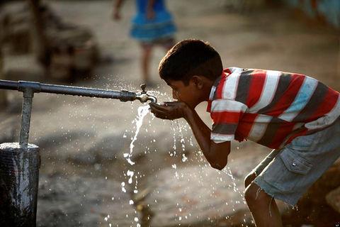 پاورپوینت ارایه اموزش بهداشت آب به روستاییان