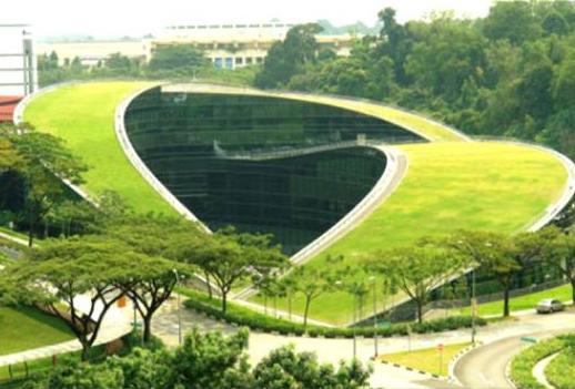 پاورپوینت آماده بررسی خانه آبشار و مدرسه هنر سنگاپور