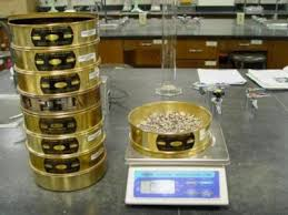 دانلود پاورپوینت آزمایشگاه تکنولوژی بتن - آزمایش دانه بندی ماسه
