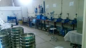 دانلود پاورپوینت آزمایشگاه مکانیک خاک -  مجموعه 10 آزمایش مکانیک خاک
