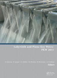 دانلود پاورپوینت بررسی آزمایشگاهی هیدرولیک جریان در سرریزهای کلید پیانویی ( P.K.W ) و  مقایسه آن با سرریزهای زیکزاگی با مقطع مستطیلی شکل ( R.L.W)
