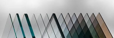 دانلود پاورپوینت انواع شیشه و کاربرد آن در ساختمان در 33 اسلاید کاملا قابل ویرایش همراه با شکل و تصاویر به طور کامل و جامع