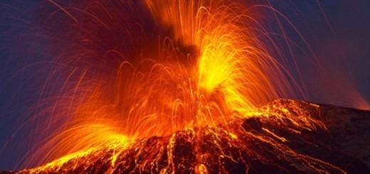 پاورپوینت با عنوان رده بندی فعالیت های آتشفشانی در 20 اسلاید