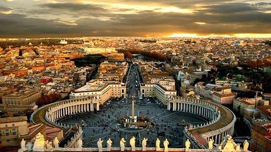 پاورپوینت کامل و جامع با عنوان بررسی کامل کشور ایتالیا در 84 اسلاید