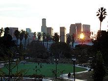 پاورپوینت کامل و جامع با عنوان بررسی شهر لس آنجلس در 32 اسلاید