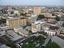 پاورپوینت کامل و جامع با عنوان بررسی شهر دوالا در 15 اسلاید