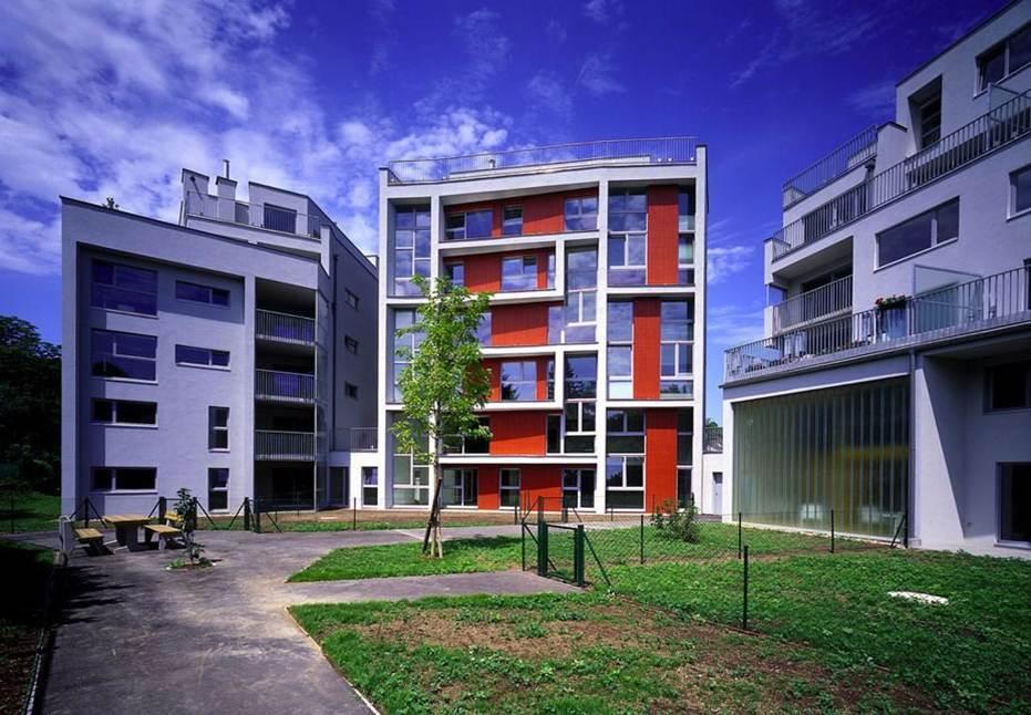 دانلود پروژه طرح 5  معماری با موضوع بررسی و تحلیل نمونههای داخلی و خارجی مجتمع مسکونی