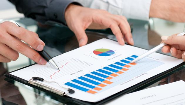دانلود پاورپوینت بودجهبندی سرمایهای و تصمیمگیری در شرکتهایی با هزینههای تحقیق و توسعه پائین