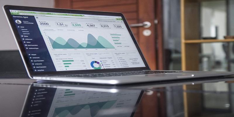 مقاله بیس رشته فناوری اطلاعات در زمینه تجزیه و تحلیل داده های شرکت های بزرگ