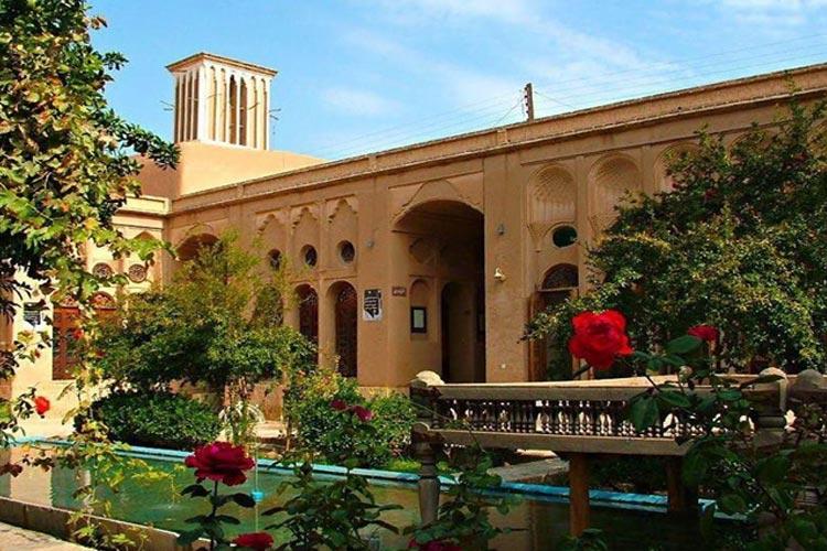راهکارهاي طراحی اقلیمی در معماري بناهاي سنتی یزد