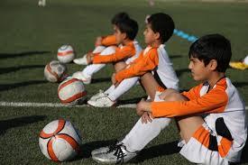 فیلم آشنایی با نحوه اجرای مهارتها و تمرینات کارگاهی فستیوال مدارس فوتبال کشور