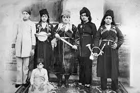 گوشه هایی از تاریخ اجتماعی ایران بررسی کوتاه دربارة وضع زنان در دوران قاجار ( فتحعلی شاه قاجار )