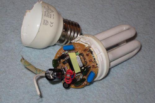 کسب درآمد روزانه 100 تا 150 هزار تومان با تعمیر لامپ های کم مصرف