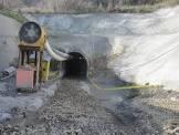 بررسی مشخصات و پایداری توده سنگهای مجاور دهانه ورودی تونل انتقال آب سبزکوه