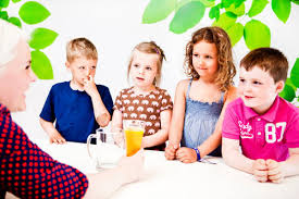 تحقیق درباره کودکان و وسایل ارتباط جمعی
