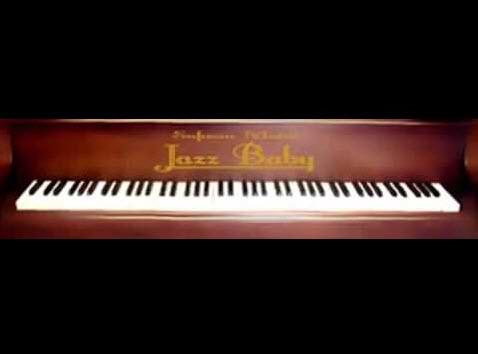 پیانوی بسیار طبیعی و کم حجم