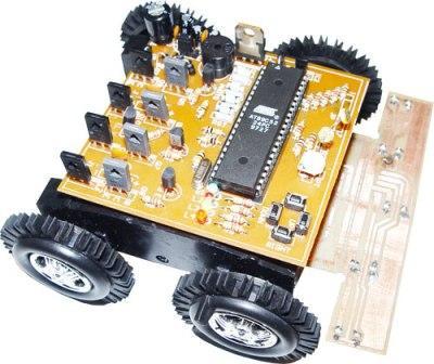طراحی و ساخت ربات مسيرياب هفت سنسور