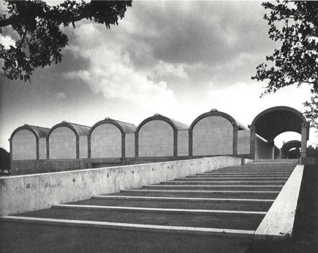 "پاورپوینت ""موزه هنری کیمبل (لویی کان)"" در 89 اسلاید"