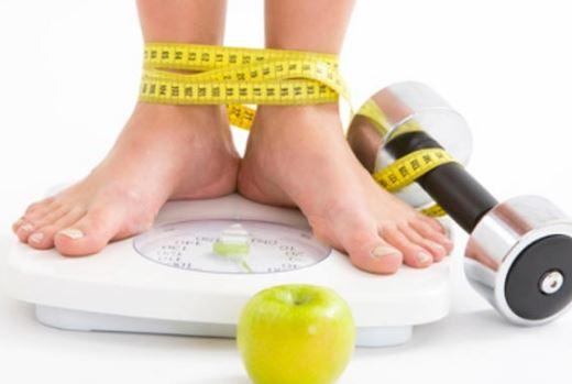 """پاورپوینت """"راهبردهاي جديد کنترل اضافه وزن و عوامل خطر زاي بيماريهاي قلبي عروقي در کودکان و نوجوانان"""" در 33 اسلاید"""